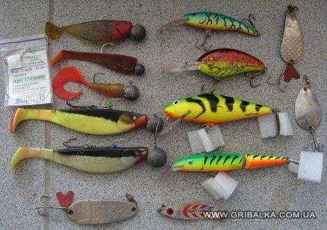 какие снасти для ловли щуки осенью